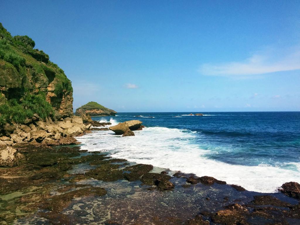 Pemandangan di sekitar Pantai Jogan