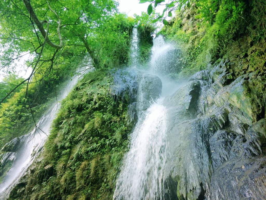 Eksotisnya Air Terjun Sri Gethuk