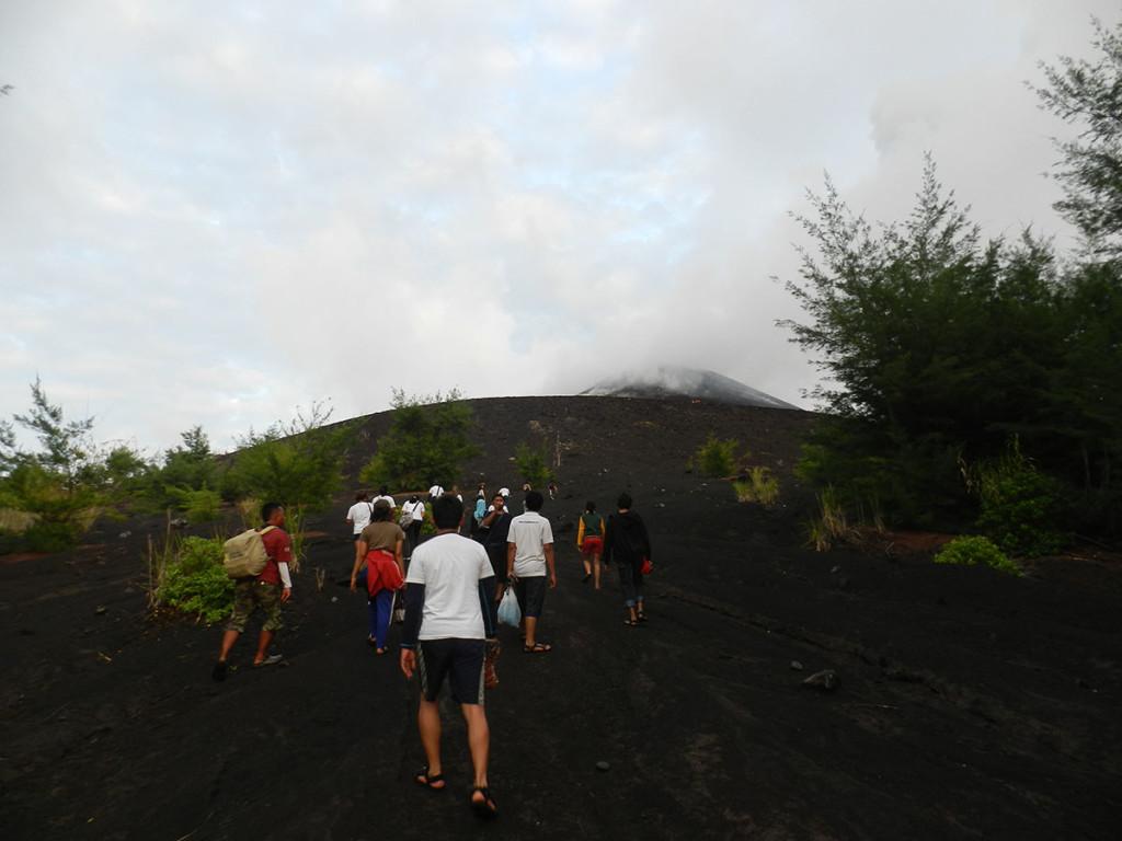 Memulai Pendakian menucu puncak