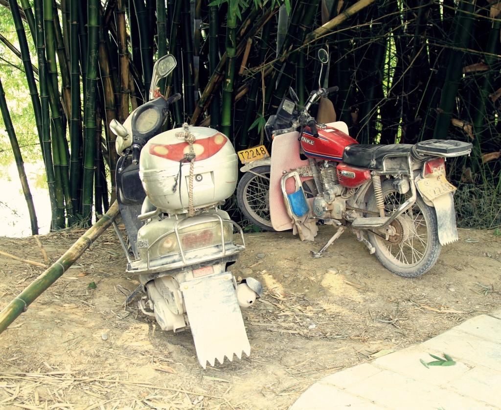 Hampir semua motor di Cina begini buluknya - bahkan lebih