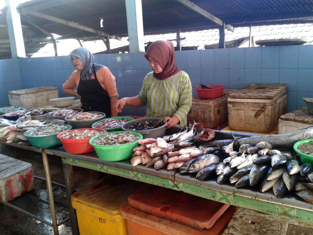 Tempat pelelangan ikan pantai Baron