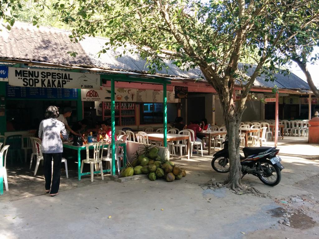 warung makan seafood pantai Baron