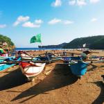 perahu pantai baron