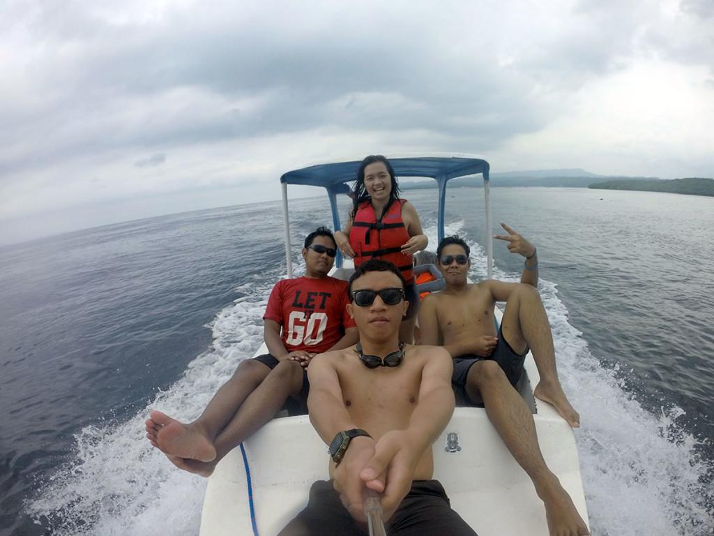 snorkelingdi nusa lembongan dengan perahu boat