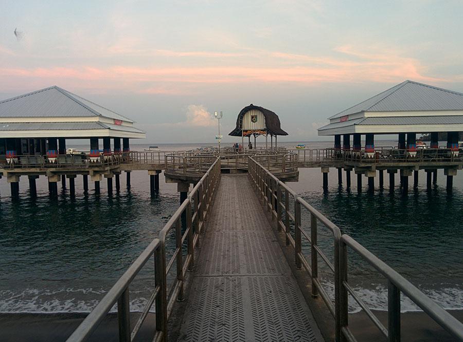 pelabuhan di pantai senggigi