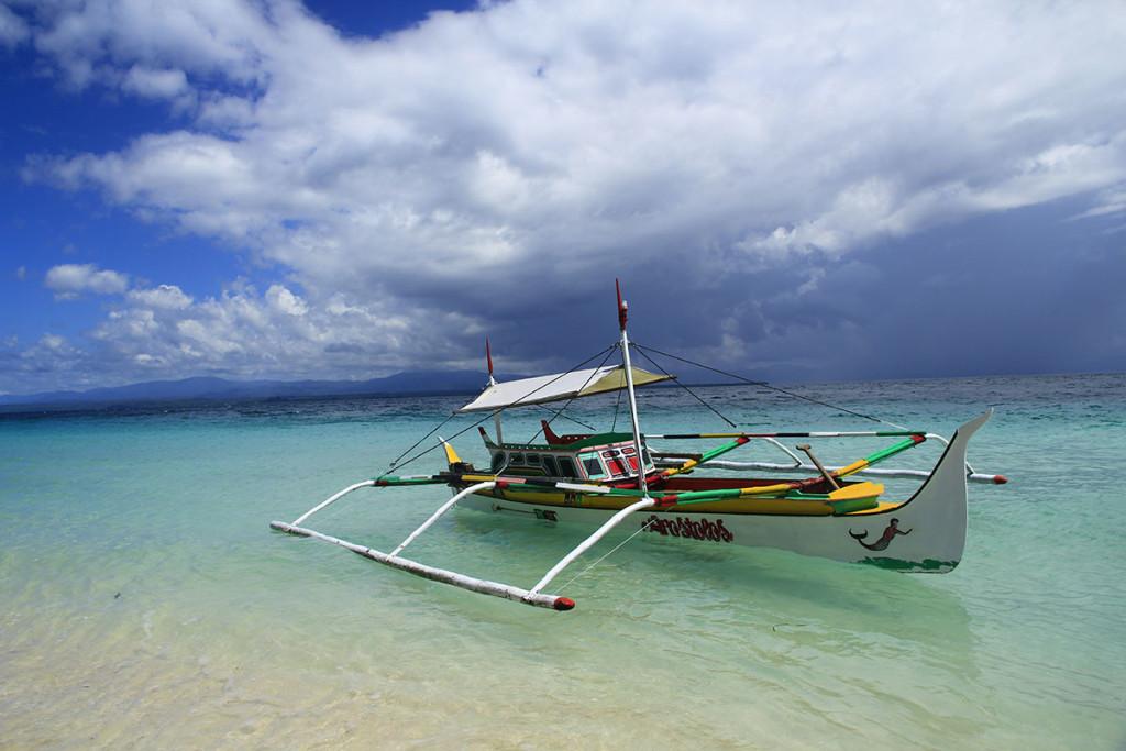 perahu di Pantai Kao