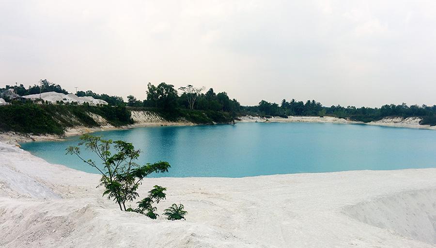 Danau Kaolin yang sangat memanjakan mata