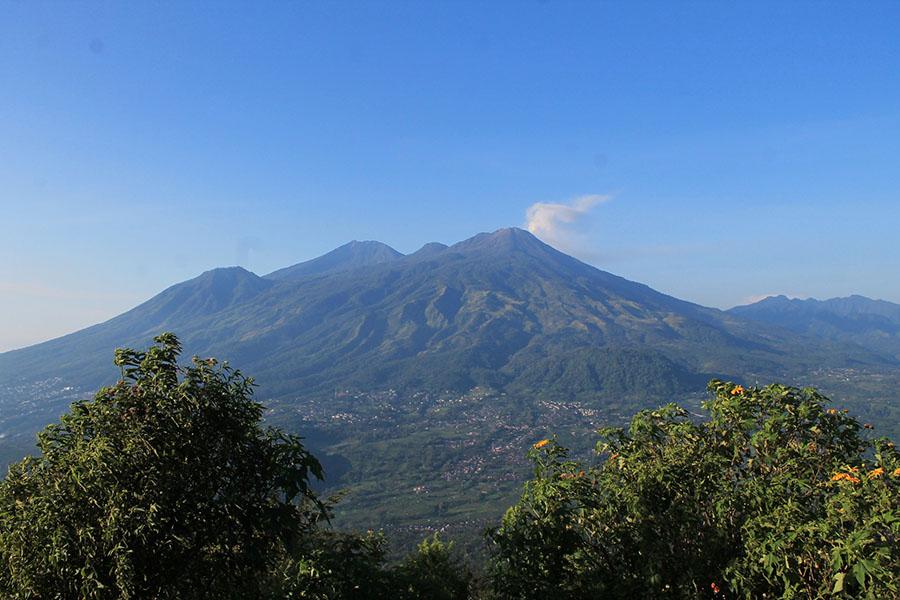 Gunung Welirang dan Gunung Arjuna