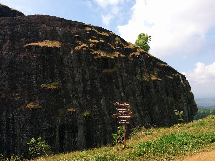 pemandangan di pos pertama gunung api purba nglanggeran