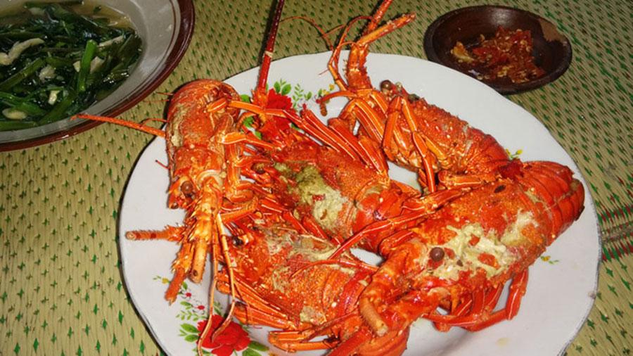 salah satu menu di kampung lobster pantai Sepanjang