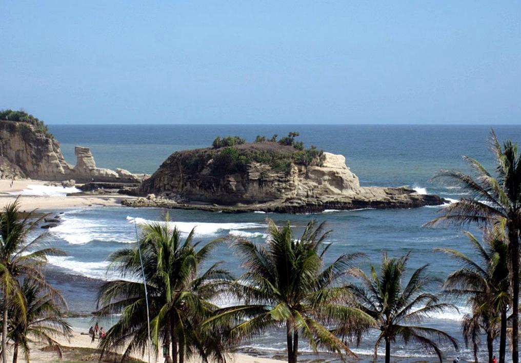 Pantai Klayar Pacitan Primadona Baru Wisata Pantai Selatan Jawa