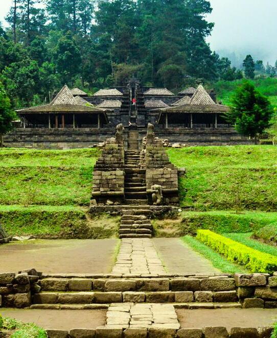 Perjalanan Menuju Surga Di Tanah Jawa Puncak Lawu Via Candi Cetho